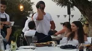 Giroux: Mammoth: Amazed at Salt Bae Restaurant Mykonos   LIFE iefimerida.gr